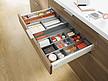 Zestaw elementów do wykonania szuflady Tandembox ANTARO z hamulcem bok M wysokość 83,6mm (zabudowa 98,5mm) kolor SZARY długość prowadnic 400mm wysuw...