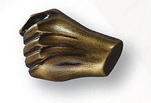 Gałka z kolekcji Body Line - motyw ręka. Wykonana z tworzywa sztucznego. Zaprojektowana przez Simone Gutsche-Sikora.