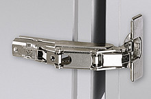 Zawias z techniką montażu na prowadnik typu clip i funkcją Push to openKlasyfikacja jakości zgodnie z EN 15570, poziom 2Do drzwi o grubości 16 - 24...
