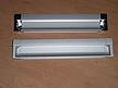 Nowoczesny,wpuszczany uchwyt firmy Fennel. Uchwyt wykonany z aluminium anodowanego z końcówkami w kolorzelakier srebrny(opcjonalnie występuje...