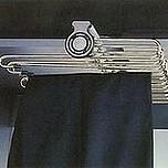 Wieszak na spodnie 467x320x105 mm  Wersja: rama wysuwana na prowadnicy kulkowej Montaż: do przykręcenia do górnej ściany szafy Materiał: rama -...
